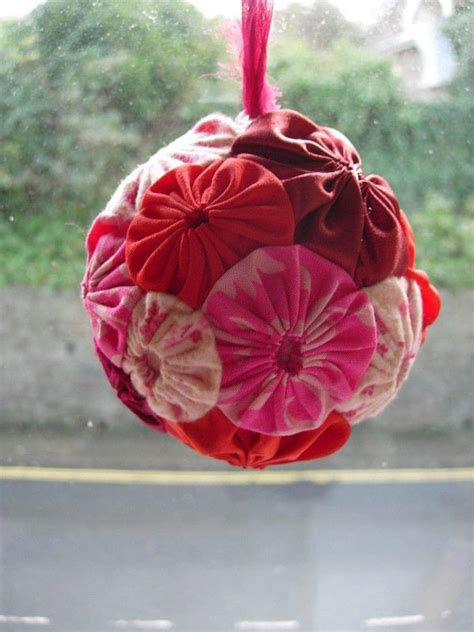 suffolk puff ball     bauble sewing  cut