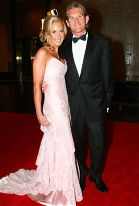 photo gallery brownlow fashion   fashion images