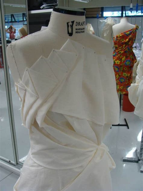 garment draping 1000 images about draping on bespoke the