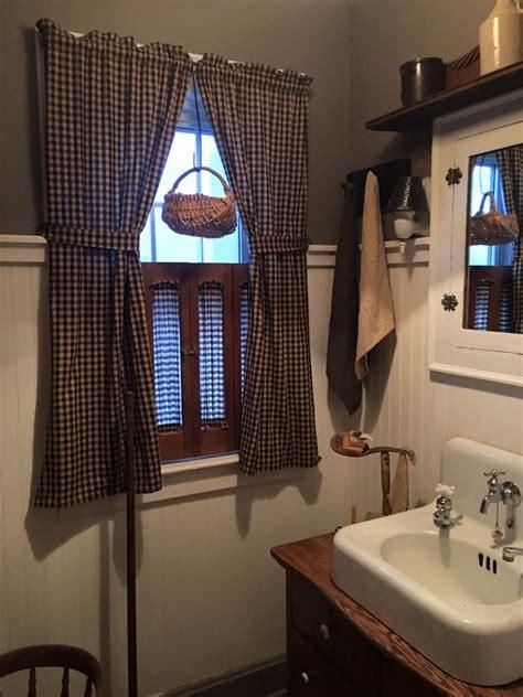 primitive bathrooms ideas  pinterest rustic master bathroom primitive bathroom