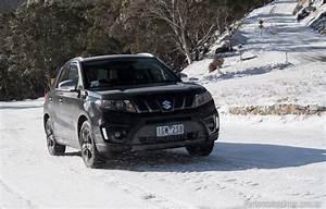 Suzuki Vitara S : 2016 suzuki vitara turbo vs honda hr v small suv comparison performancedrive ~ Medecine-chirurgie-esthetiques.com Avis de Voitures