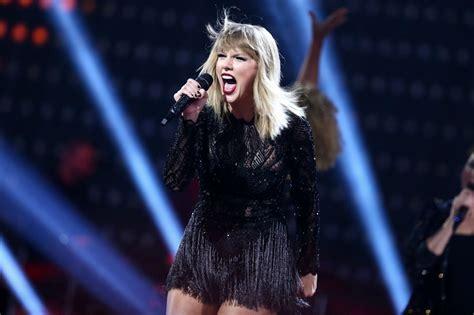 Taylor Swift'ten Sophie Turner'a: Kuzey'in Kraliçesi için ...