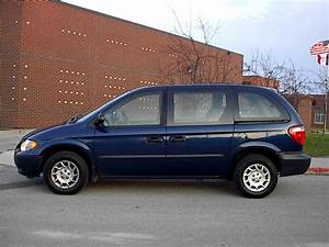 2002 Chrysler Voyager Photos, Informations, Articles ...