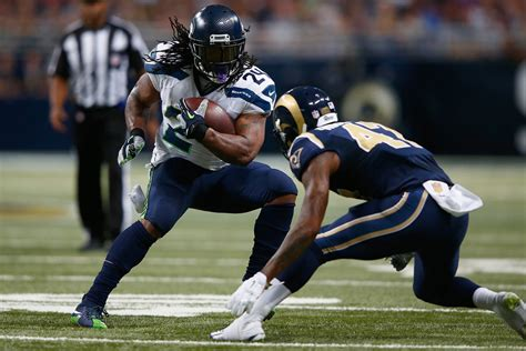 seattle seahawks give marshawn lynch  ball  lose