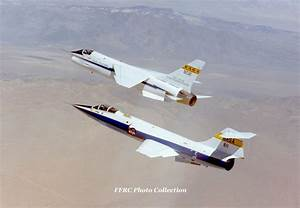 F-104N NASA#811 flying alongside the F-8C DFBW by ...