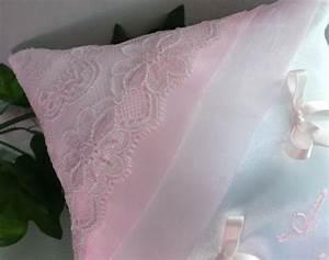 Coussin Rose Pale : coussin mariage dentelle rose pale 18 ~ Teatrodelosmanantiales.com Idées de Décoration
