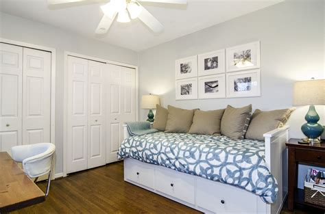 Design Bedroom Office Combo by Office Guest Room Combo Great Idea For That Bed
