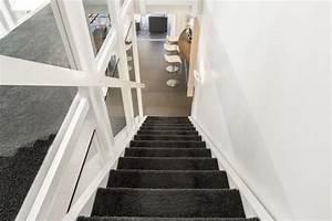 Teppich Für Treppe : teppich auf einer treppe verlegen schritt f r schritt anleitung ~ Orissabook.com Haus und Dekorationen
