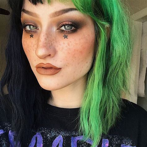 Black And Green Make For Such A Rad Split Color