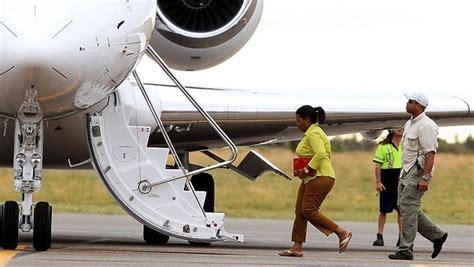 celebrities     private jet