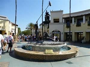 Entrance, Universal Studios - Picture of Universal Studios ...