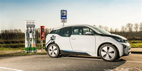 bmw  porsche join forces  enable  min electric car charging   kw charge rate electrek