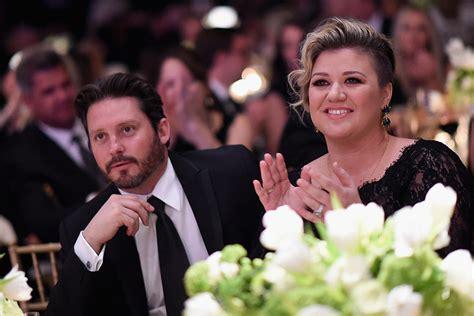Kelly Clarkson Awarded Primary Custody of Her Two Children