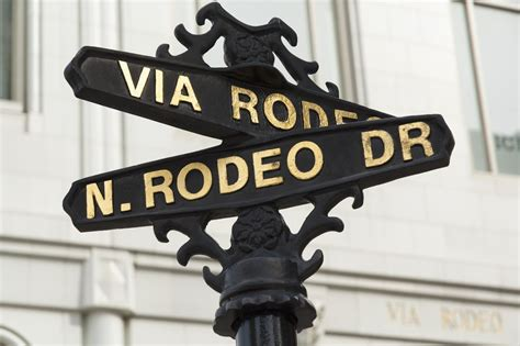 stores located  rodeo drive  beverly hills ca