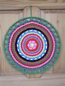 Farben Für Die Wand : dieses mandala in starken farben ist wundersch n als deko f r die wand oder das fenster etwas ~ Michelbontemps.com Haus und Dekorationen