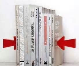 Floating Arrow Bookends