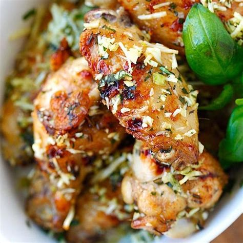 Costco's deli serves you with freshly prepared platters. ventura99: Costco Garlic Pepper Chicken Wings Ingredients