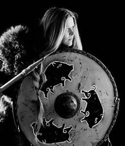 Viking Skull Spurs Debate on Women Warriors…