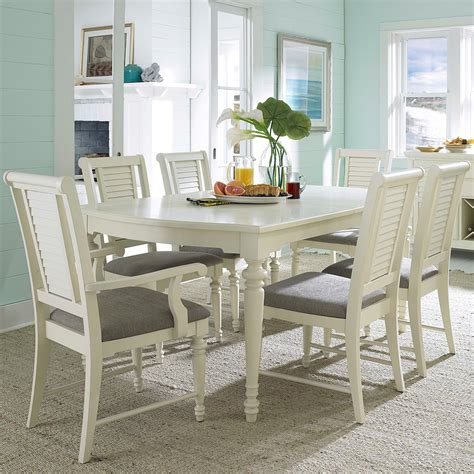 beachy kitchen table broyhill furniture seabrooke 7 turned leg dining