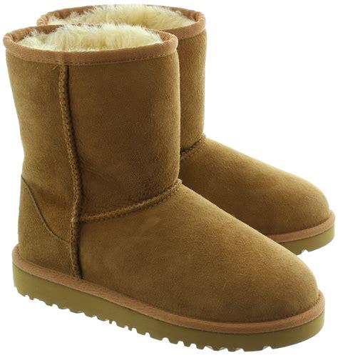2417 childrens ugg slippers ugg classic sheepskin boots in chestnut in chestnut