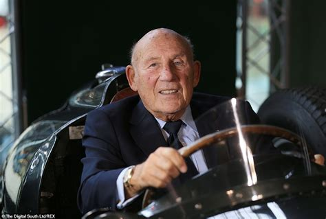 Sir Stirling Moss tragically dies aged 90 as his wife pays ...
