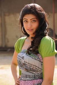 Pranitha Latest Photos 25CineFrames