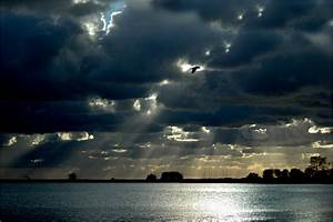 Truhe Vor Dem Bett : ruhe vor dem sturm foto bild himmel wolken himmel universum bilder auf fotocommunity ~ Bigdaddyawards.com Haus und Dekorationen