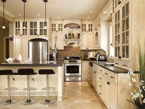 armoir cuisine chalet de montagne cuisine bois chêne stratifié