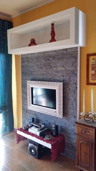 Cornice In Cartongesso Per Tv by Foto Con Rivestimento In Pietra In Gesso E Cornice In