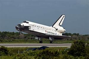 File:Space Shuttle Endeavour Lands at the Kennedy Space ...