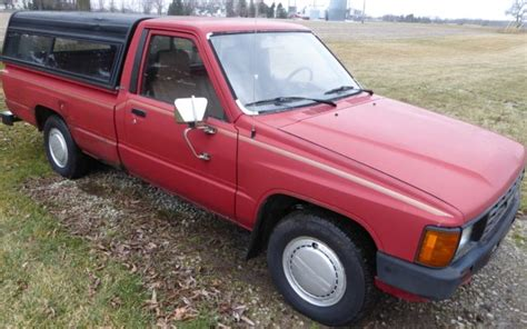 Toyota Pickup Truck Engine Long Bed Red Runs