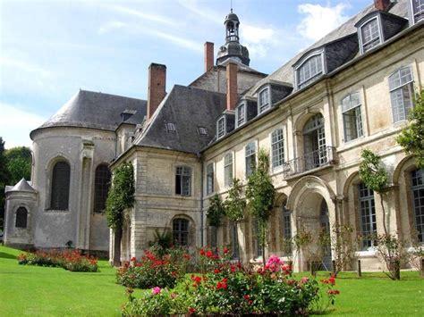chambres d hotes loire locations de vacances à l 39 abbaye de valloires argoules et
