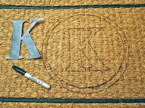 Doormat Designs by Diy Monogrammed Doormat Hgtv