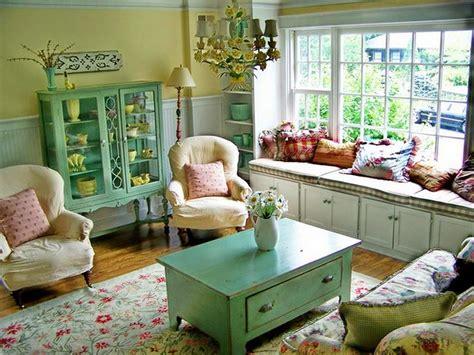 Make Your Living Room Look Like The Roaring Twenties