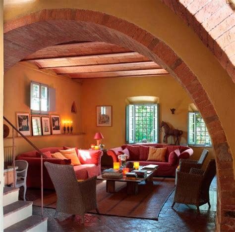 colores tierra  decorar una casa de campo italiana