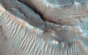 Bizarre Mars: Did Lava Bubbles Wrinkle This Giant Circle ...