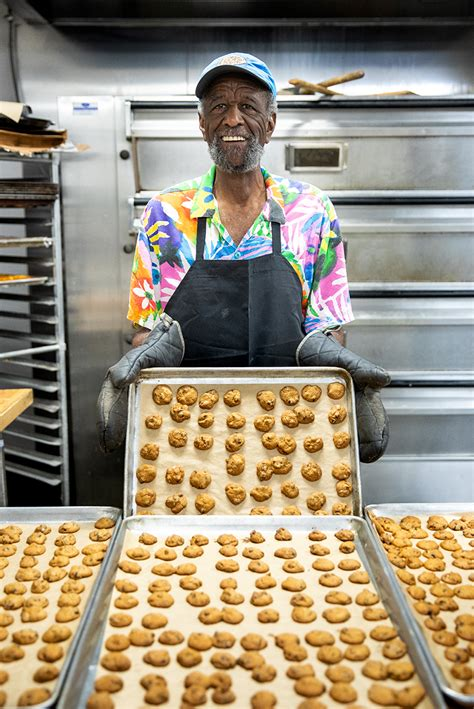 famous amos creator lives  charlotte   plans