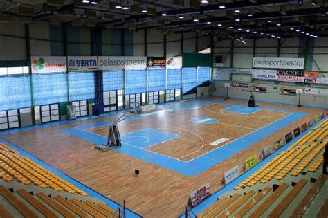 illuminazione impianti sportivi impianto di illuminazione led per impianti sportivi