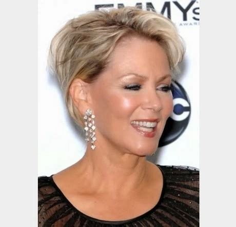 coiffure coupe courte femme 60 ans coiffure courte femme de 50 ans