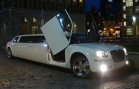 Limo Hire by Chrysler C300 Baby Bentley Limo Hire Limousine Hire