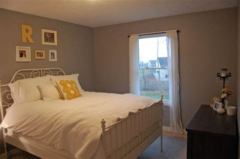 beige carpet with cathedral grey paint behr the