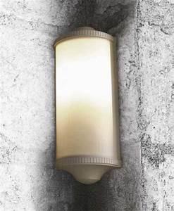 Luminaire D Angle : applique d 39 angle trophy d couvrez luminaires d 39 ext rieur jeancel luminaires ~ Teatrodelosmanantiales.com Idées de Décoration