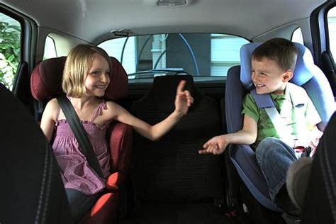 jusqu a quel age le siege auto un siège auto ou réhausseur jusqu 39 à quel âge