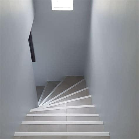 Rénover La Cage D'escalier D'une Maison Des Années 1980