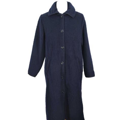 robe de chambre des pyr s robe de chambre boutonnee 7 8 femme marine
