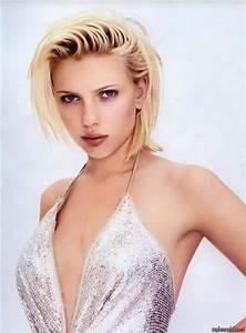 Scarlett Johansson topless