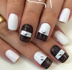 White nail art ideas and design