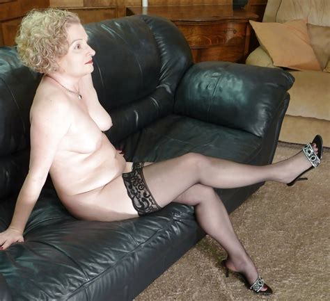 Chubby Mature Wife Posing In Stockings Pics Xhamster