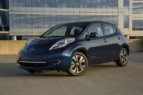 nissan leaf  ford focus electric compare cars