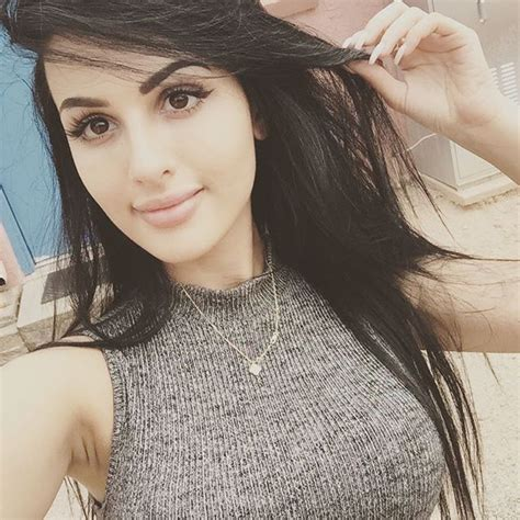 Sssniperwolf Cleavage And Sexy Pics Pics Sexy Youtubers